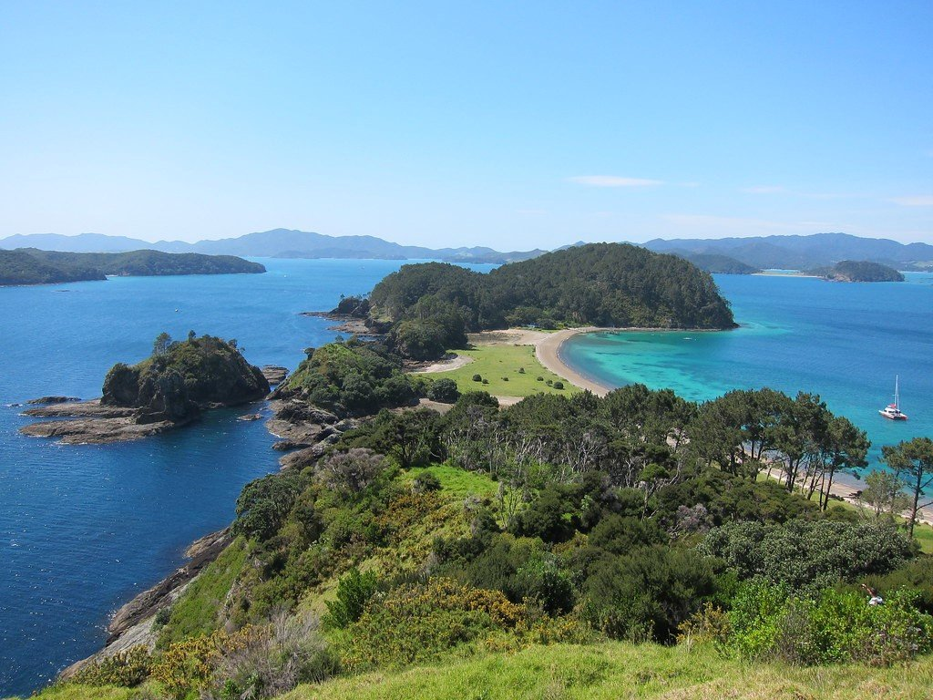 Voyage on the Bay of Islands